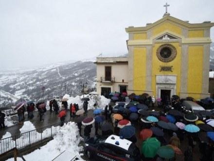 Число погибших схода снежной лавины наотель вИталии достигло 6-ти человек